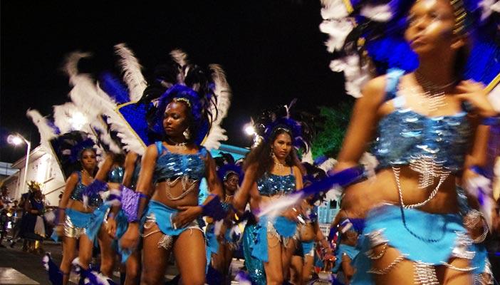 carnaval-basse-terre-nuit