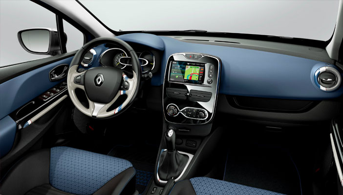 Intérieur de nos Renault Clio à louer en Guadeloupe
